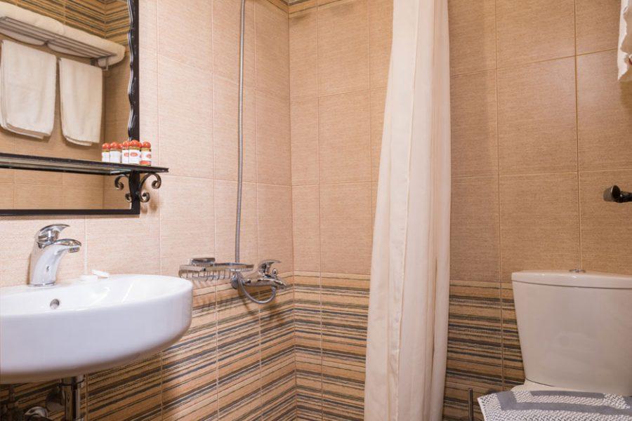hagiati hotel bath 3