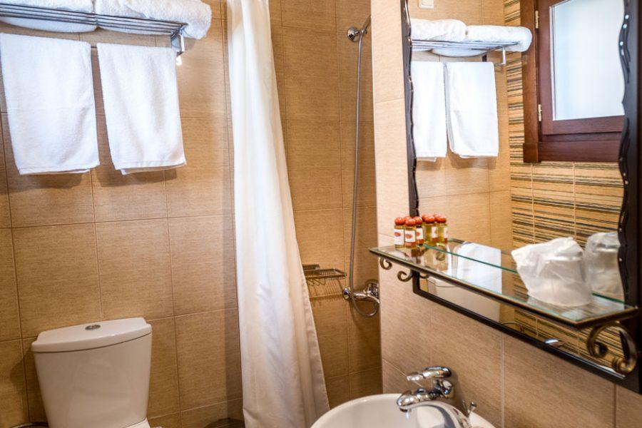 hagiati hotel bath